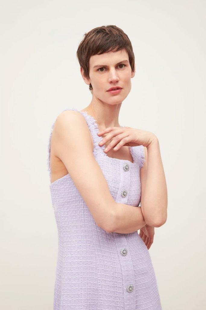 c8c4301adb7 Zara: Αυτό είναι το καλοκαιρινό φόρεμα με το πιο παιχνιδιάρικο χρώμα ...