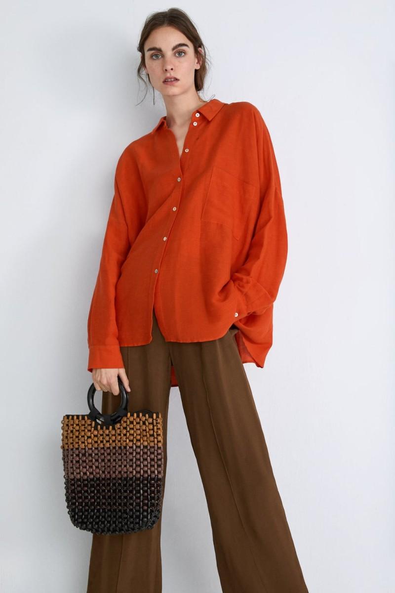 63545783311 Zara: Αυτή είναι η τσάντα με τις χάντρες που έχουν αγοράσει όλες ...