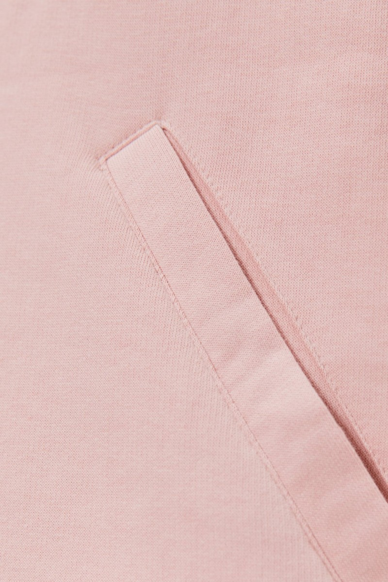 Zara: Τρελή εμμονή με αυτό το ροζ oversized φούτερ! Πόσο κοστίζει;