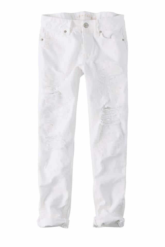 Κορίτσια προσοχή! Η τάση λέει «ναι» στο λευκό παντελόνι και το φθινόπωρο!