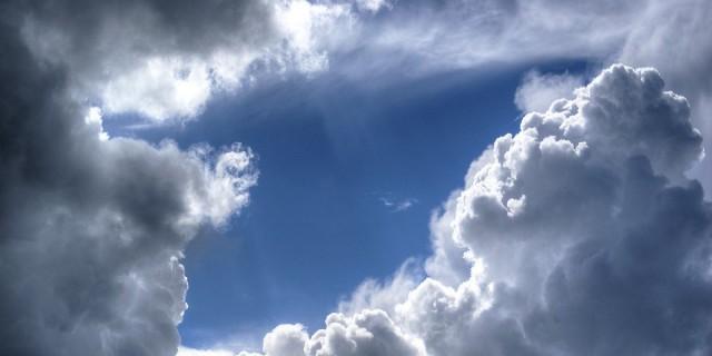 Καιρός: Αλλού ήλιος και άλλου βροχές - Ποιοι θα κρατήσουν ομπρέλα;