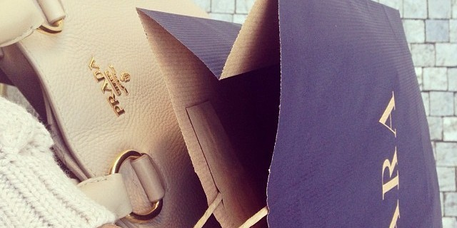 Παραμυθένια η τσάντα καλάθι στα Zara - Με πέρλες οι χειρολαβή