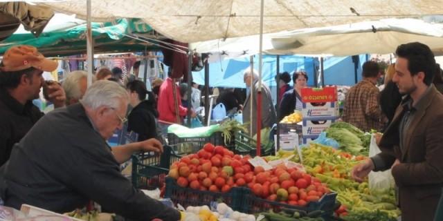 Κορωνοϊός: Νέες αλλαγές στις λαϊκές αγορές - Σπάνε στα δύο