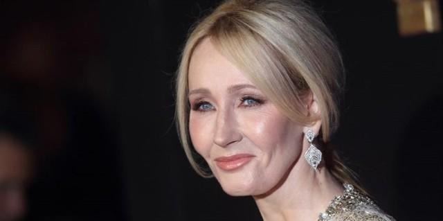 Κορωνοϊός: Σε συμπτώματα και η J. K. Rowling