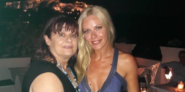 Η μαμά της Ζέτας Μακρυπούλια έχει φωτογραφία του Μιχάλη Χατζηγιάννη στο instagram