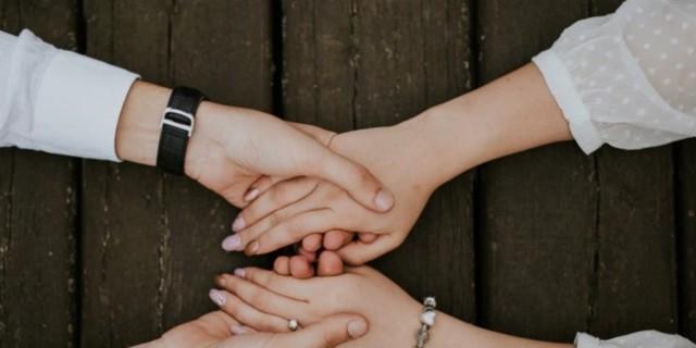 6+1 τρόποι για να δείξεις στοργή στον αγαπημένο σου μέσα στην καραντίνα