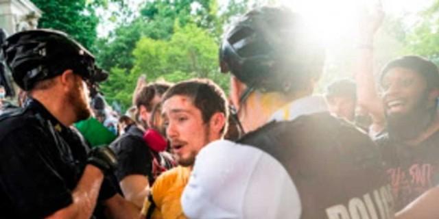 Δύο νεκροί στις διαδηλώσεις για τη δολοφονία του Τζορτζ Φλόιντ