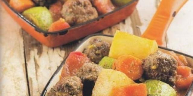 Ζουμερά κεφτεδάκια με κανέλα και σκόρδο - Κορυφαία συνταγή της Μαρίας Εκμεκτσίογλου