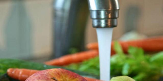 Βουτήξτε λαχανικά και φρούτα σε νερό με μαγειρική σόδα - Το αποτέλεσμα θα σας αφήσει άφωνους