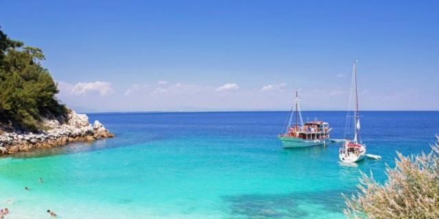 Φθηνές διακοπές: Τα 13 νησιά της Ελλάδας που θα πληρώνεις μόνο 25 ευρώ την ημέρα
