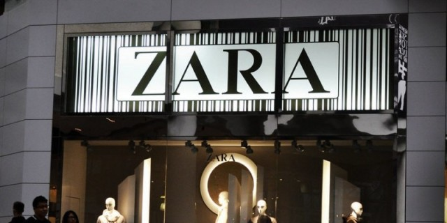 Θα πάθεις πλάκα με αυτό το little black dress από τα Zara