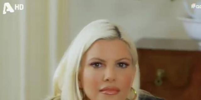 «Πάγωσε» η Αντελίνα Βαρθακούρη όταν είδε τον Χάρη - Το καυτό φιλί στον αέρα της εκπομπής