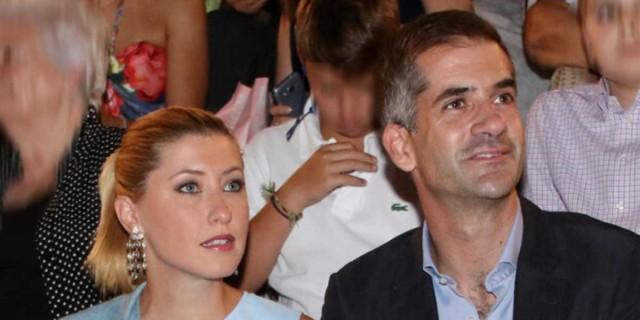 Σία Κοσιώνη: Έφυγε από την Αθήνα με τον Κώστα Μπακογιάννη