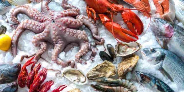 Ίχνη κορωνοϊού σε συσκευασίες κατεψυγμένων θαλασσινών