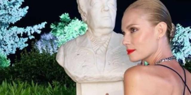 Άλλος άνθρωπος η Βίκυ Καγιά - Είναι αγνώριστη με μακριά καστανά μπούκλα μαλλιά