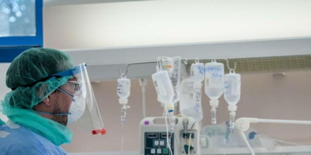 Κορωνοϊός: Σοκάρει η φωτογραφία από ακτινογραφία - Ραγδαία επιδείνωση στους πνεύμονες!