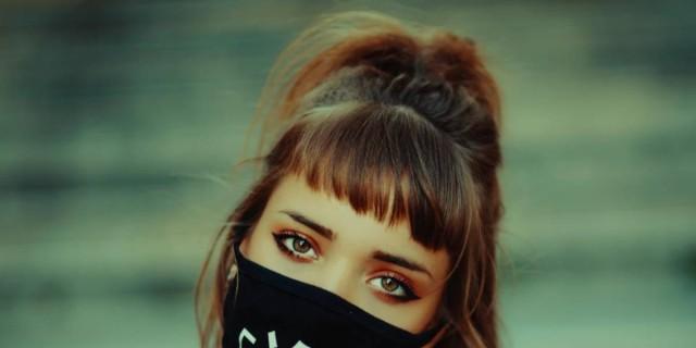 Τέλος τα σπυράκια από τη χρήση μάσκας - Έτσι θα προστατεύσεις την επιδερμίδα σου