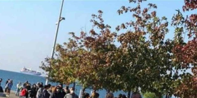 Θεσσαλονίκη: Τεράστιες ουρές για τεστ κορωνοϊού λίγο πριν το lockdown