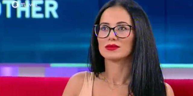 Big Brother: Η Χριστίνα Ορφανίδου αποκαλύπτει όλη την αλήθεια πίσω από το ροζ βίντεο