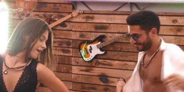 Big Brother: Ο καυτός χορός της Ραΐσα με τον Γρηγόρη - Παραλίγο να φιληθούν