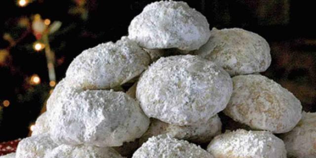 Κλασικοί κουραμπιέδες από την Βέφα Αλεξιάδου - Συνταγή για 50 με 60 κομμάτια