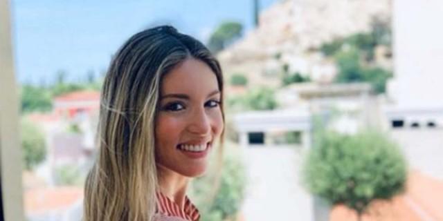 Αγνώριστη η Αθήνα Οικονομάκου - Αυτό είναι το φυσικό χρώμα των μαλλιών της