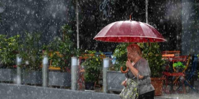 Έκτακτο δελτίο καιρού: Που αναμένονται καταιγίδες και χαλάζι σήμερα και αύριο