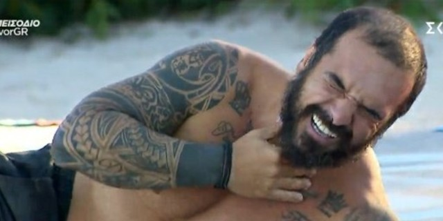 Survivor 4: Τραυματίστηκε στο αγώνισμα ο Τριαντάφυλλος - Τον χτύπησε στο λαιμό ο Καλίδης