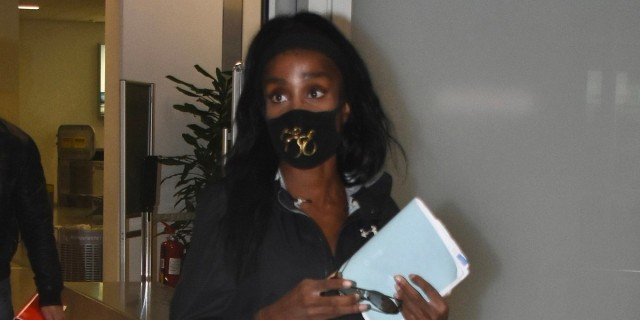 Survivor 4: Επέστρεψε η Ελίζαμπεθ Ελέτσι - Αποκλειστικές φωτογραφίες από το αεροδρομίο