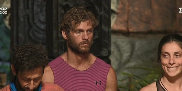 Survivor 4 - Κρις Σταμούλης: «Χαίρομαι που δεν τρώνε οι Κόκκινοι»