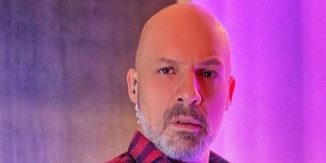 Νίκος Μουτσινάς: «Τρολάρει» τον Γιώργο Λιάγκα - «Κανονικά την Δευτέρα πρέπει να μη βγει στην εκπομπή»