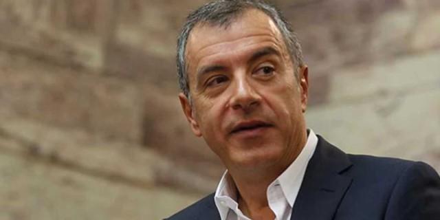 Βυθισμένος στη θλίψη ο Σταύρος Θεοδωράκης - «Εμείς θα σε θυμόμαστε για όλα αυτά που ζήσαμε»