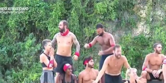 Survivor 4: Η κίνηση του Περικλή στον Τριαντάφυλλο στο αγώνισμα, πριν την αποχώρηση της Ελέτσι
