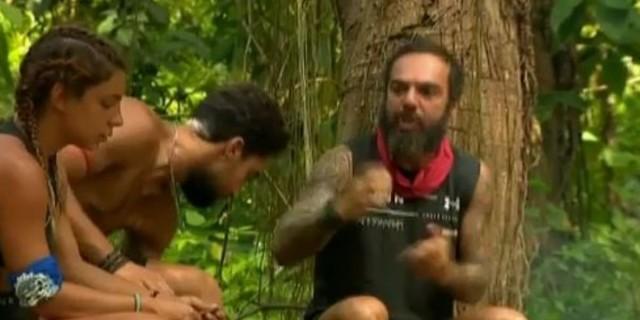 Survivor 4: Εκτός εαυτού ο Τριαντάφυλλος!  -