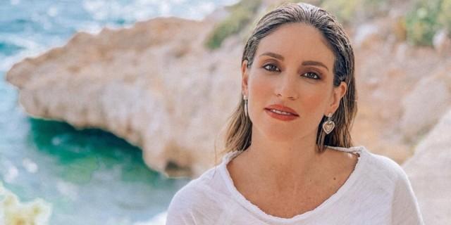 Αθηνά Οικονομάκου: «Τρέλανε» το διαδίκτυο το νέο βίντεο με τη φουσκωμένη κοιλίτσα της στον 9ο μήνα της εγκυμοσύνης