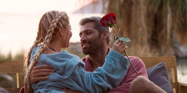 The Bachelor 2: Η Αθηνά απέρριψε το φιλί του Αλέξη!