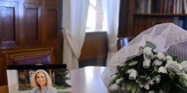 Φώφη Γεννηματά: Ρίγη συγκίνησης με την εικόνα από το γραφείο της