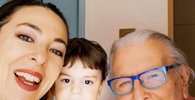 Αλίκη Κατσαβού: H τελευταία ανάρτηση στο Facebook με τον Κώστα Βουτσά και τον Φοίβο
