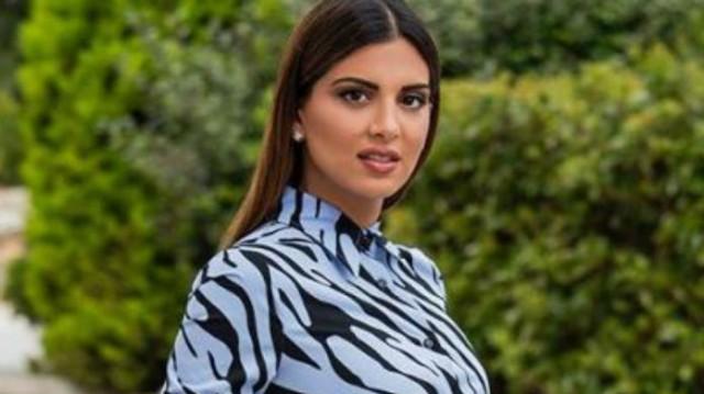 Σταματίνα Τσιμτσιλή: Το midi φόρεμα που φόρεσε από τα Zara κρύβει τις ατέλειες!