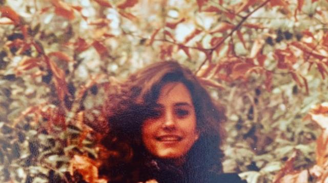 Αναγνωρίζετε την κούκλα ηθοποιό της φωτογραφίας;