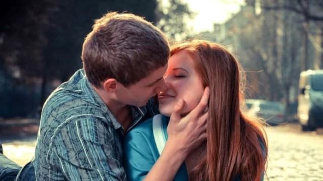 Μπορει η φιλία να γίνει έρωτας;