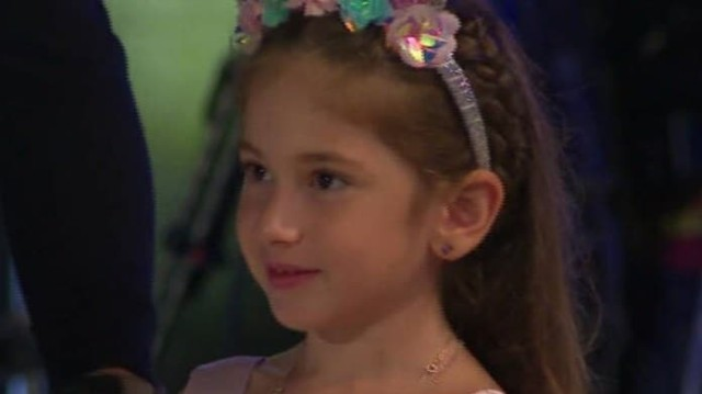 Survivor: Έκλεψε την παράσταση η κόρη του Ατζούν! Η αποκάλυψη που έκανε να τρελαθεί ο μπαμπάς της! (Βίντεο)