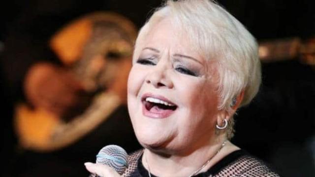 Ράγισε καρδιές η Μαίρη Λίντα! Το τραγούδι της μέσα από το Γηροκομείο....