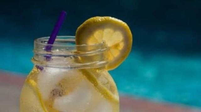Απίθανο ρόφημα: Το πίνεις για μία βδομάδα και χάνεις 4,5 κιλά!