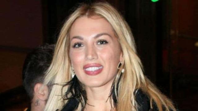 Κωνσταντίνα Σπυροπούλου: Το ταξίδι αστραπή και το δημόσιο μήνυμα της παρουσιάστριας!