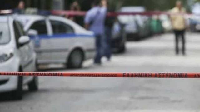 Αυτοκτονία Καλογρέζα: Αυτός είναι ο γιος του 87χρονου που κρεμάστηκε! Στη δημοσιότητα τα πρόσωπό του!
