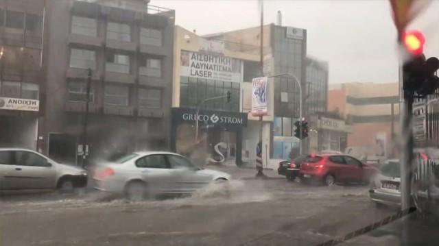 Καταιγίδα στην Αττική: «Άνοιξαν οι ουρανοί» με χαλάζι και κεραυνούς επί δύο ώρες! (Βίντεο)