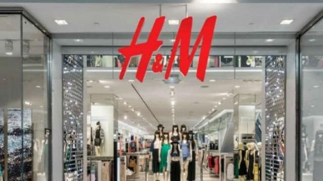Σάλος στα H&M: Αυτό είναι το μαγιό που φοράνε όλες στο instagram!