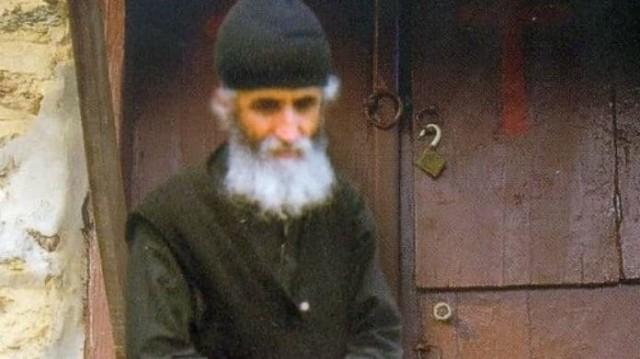 """Προφητεία Γέροντα Παΐσιου: """"Όταν δείτε να γίνονται συμφορές στην Ελλάδα, και το κράτος να..."""