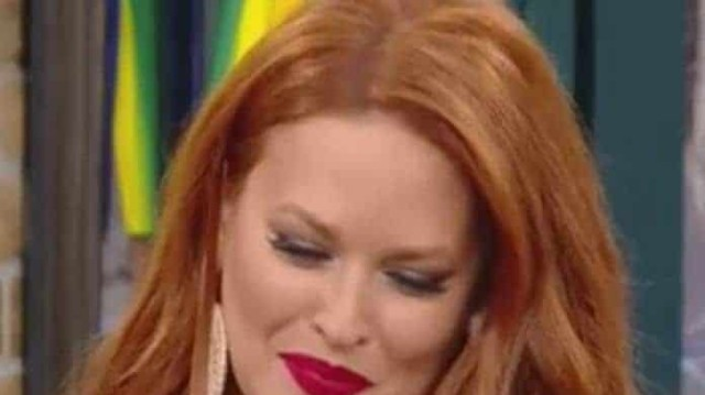 Σίσσυ Χρηστίδου: Το μαλλί της άσπρισε και γέμισε ρυτίδες! Δεν μπορούσε να κοιταχτεί στον καθρέφτη!
